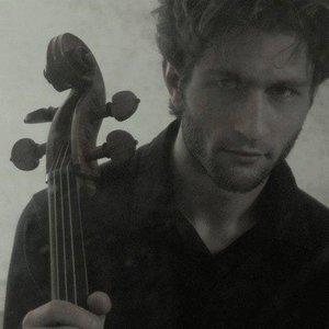 Le violoncelliste Emile Bernard